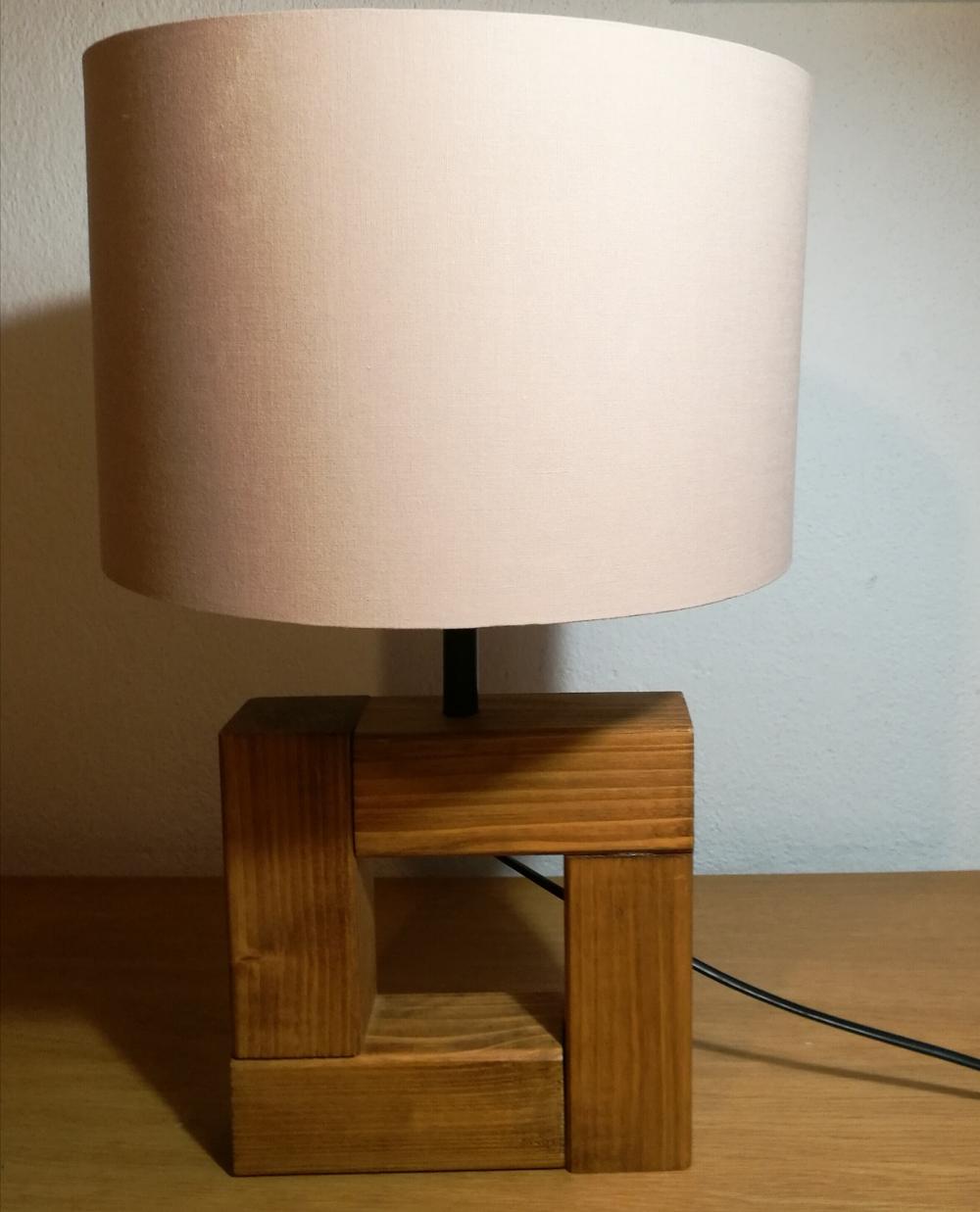 béžové stínítko na lampičku