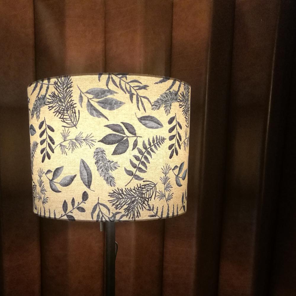 velké stínidlo na lampu